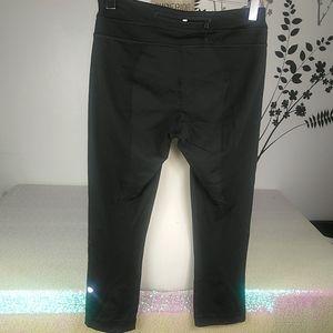 Lululemon women's capri leggings size 6